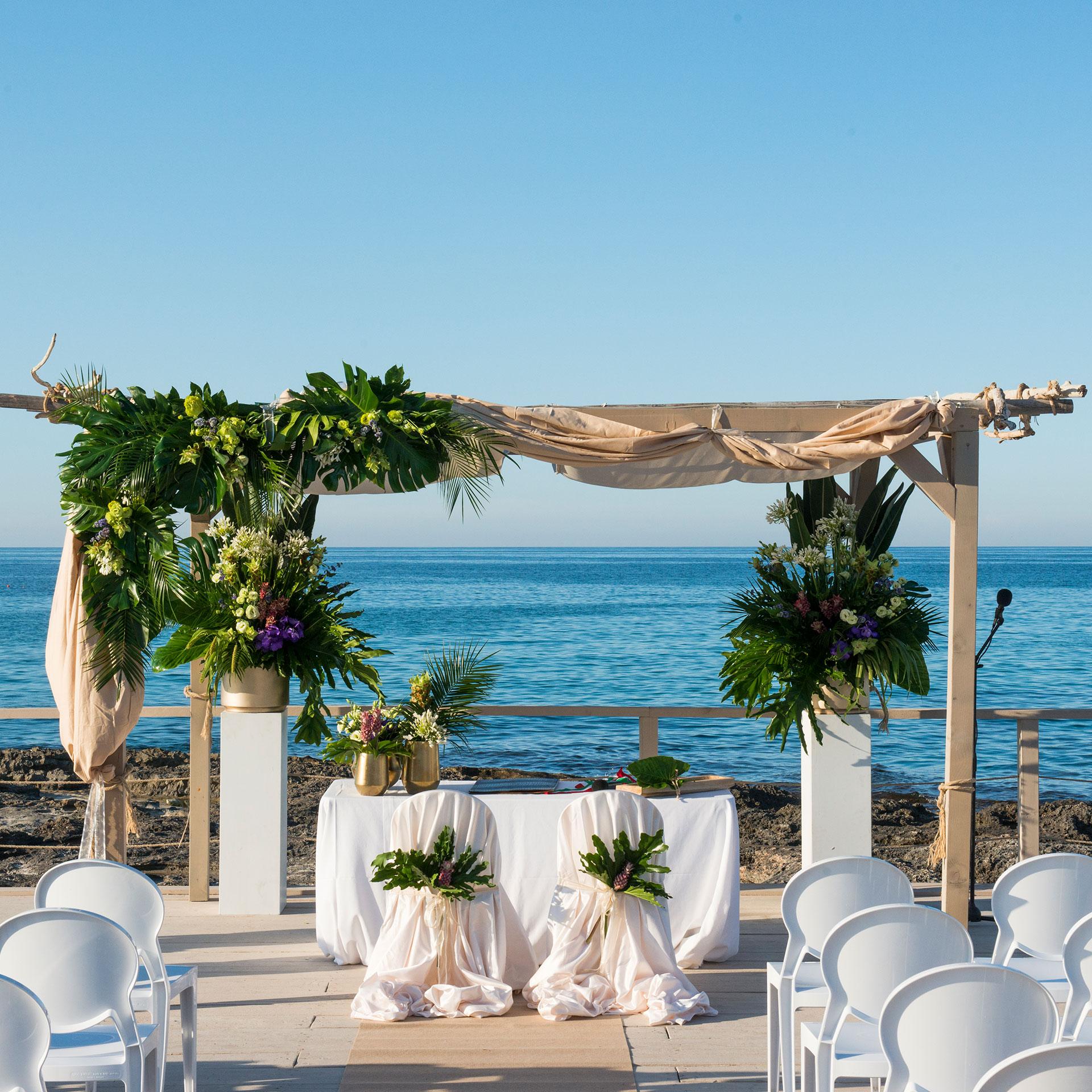 Matrimonio Sulla Spiaggia In Italia : Coco wedding il tuo meraviglioso matrimonio in puglia sul mare